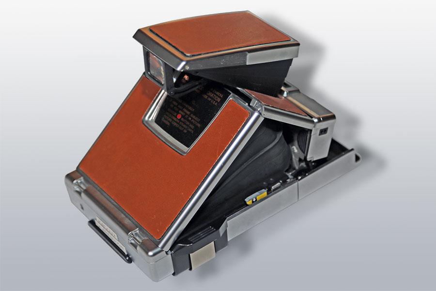 Polaroid SX 70 (1972)
